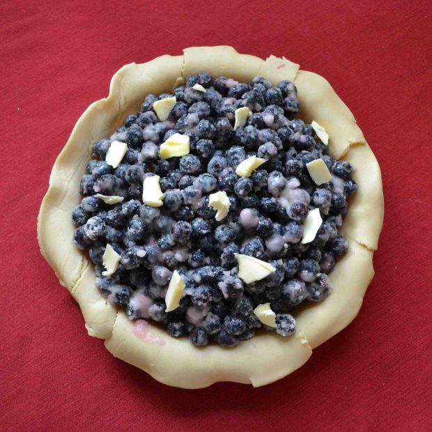 This blueberry pie recipe is simple and delicious!
