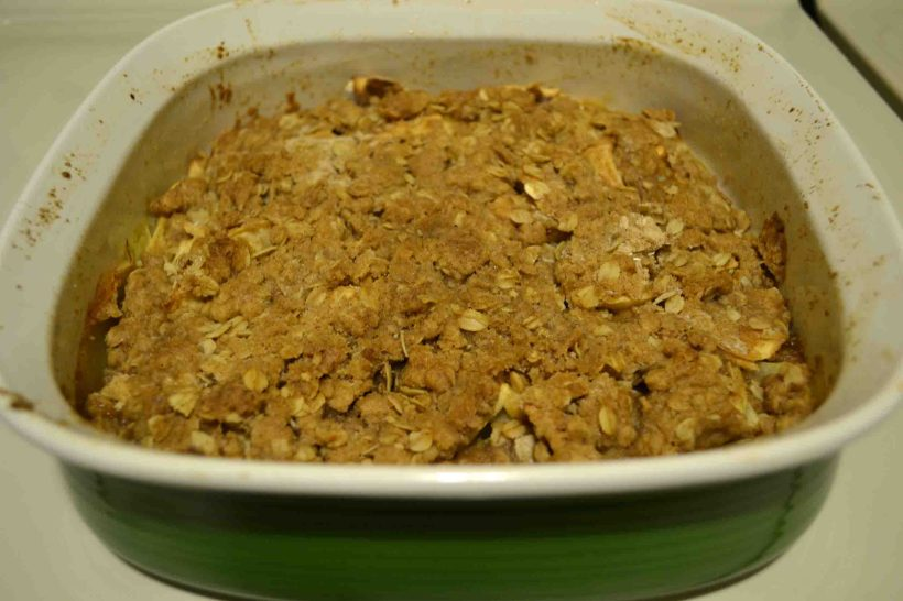Easy apple crisp to feed a crowd!