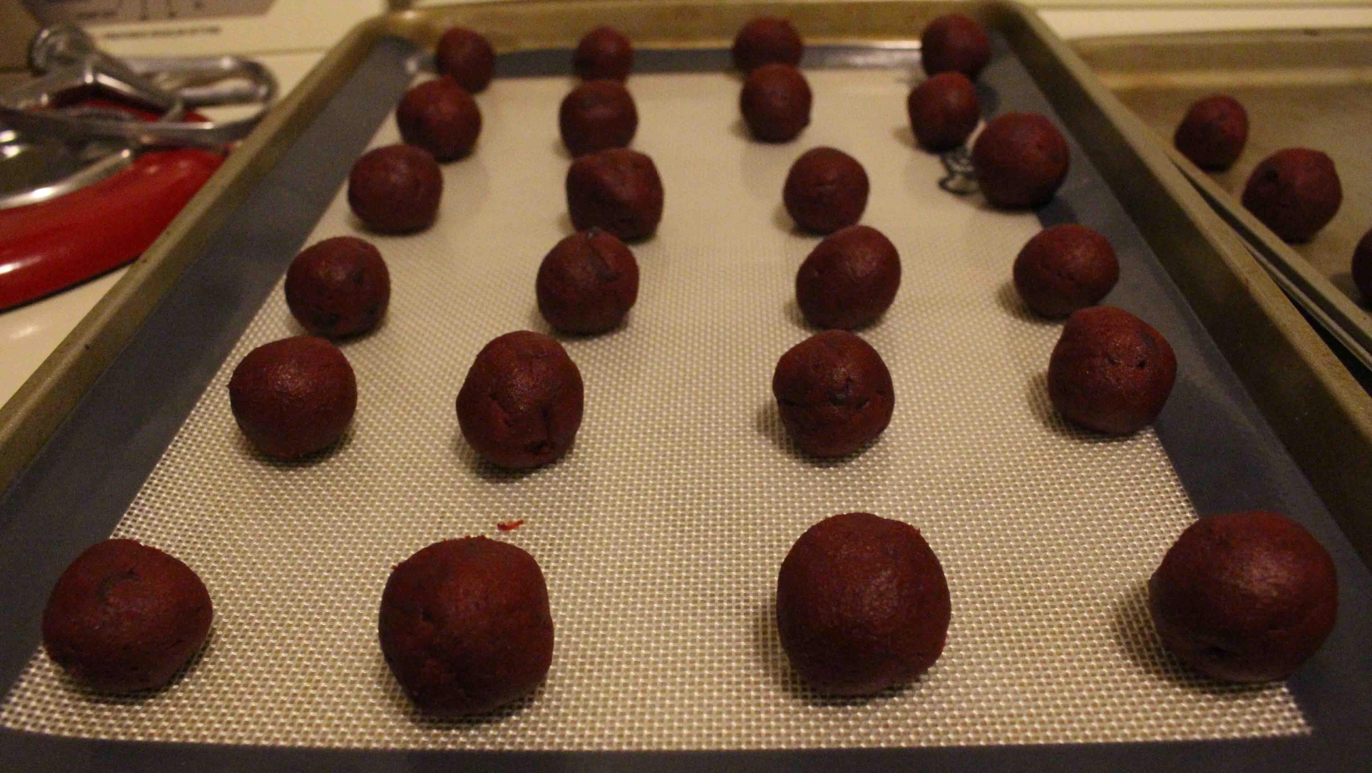 Red velvet cookies 13