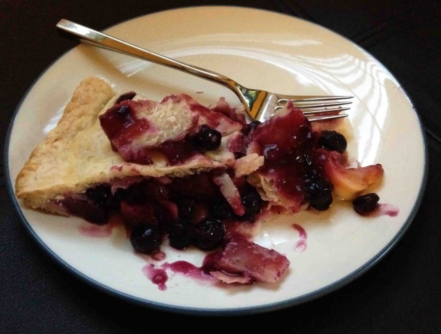 In honor of Labor Day, I'm sharing this killer peach-blueberry pie!