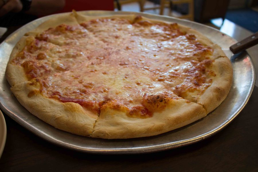 Getting classic Napoli pizza at IP3!