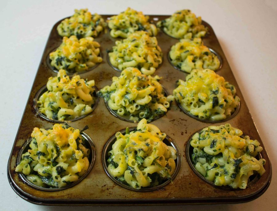 These muffins are the BEST way to eat mac and cheese at a party!