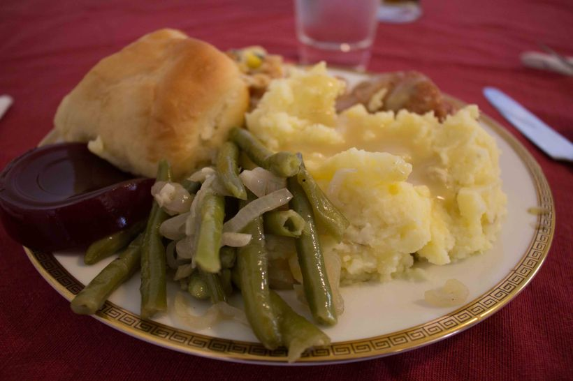 Sauteed green beans on a holiday plate