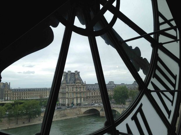 Paris is 100% worth the hype. Here's some of my favorite things to do in Paris!