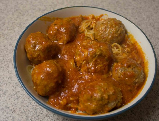 These mozzarella-stuffed meatballs are a killer dinner option!