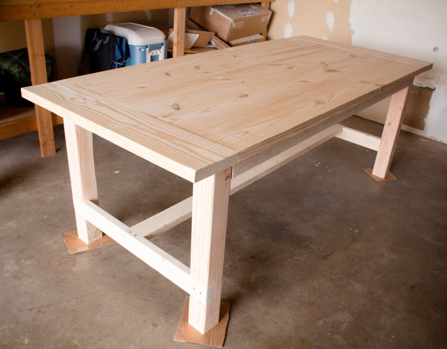 Looking for uncomplicated plans to build your own kitchen table? This DIY Farmhouse Table turned out beautifully!